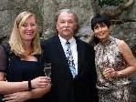 Direktor Claudio Götsch mit den Klassenvorständen der Abschlußklasse Verena Steiner und Gabriele Abbrederis