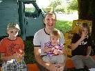 Jakob, Karl, Valentina und Karla stellten sich gerne für den Parcour hinter den Tresen