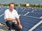Mit der Fotovoltaikanlage auf der Volksschule kann der Großteil des benötigten Stroms der Schule selbst produziert werden.
