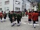 Musikkapellen,Vereine und Prominenz formieren sich zum historischen Festumzug.