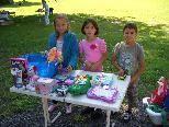 Selbst die Kleinen offerierten ihre Schätze.