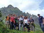 Die Gruppe hat erfolgreich den Wanderführerlehrgang abgeschlossen.