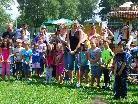 Die Kinder des Kindergartens an der Ach vollführten zur Eörffnung einen Hexentanz.
