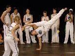 """Die Gruppe """"Capoeira Angola Palmares"""" ist beim 1. Sommerkarneval in der Gass zu Gast."""