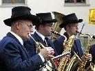 Die Harmoniemusik Tschagguns spielte unter unter Leitung ihres Obmannes und früheren Kapellmeisters David Bitschnau auf.