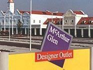 Ein couragierter Wiener stellte einen Ladendieb im Designer Outlet Parndorf.