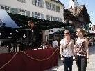 Fahrendes Klavierkonzert mit Stephan Hladik am Marktplatz.