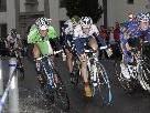 Packende Rad-an-Rad Kämpfe sind beim Sport Mathis Stadtkriterium garantiert!