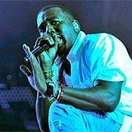 Verbeugt sich: Kanye West (34) bewundert Amy Winehouse († 27).