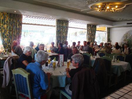 38 Senioren freuten sich am Ausflug nach Mittenwald.