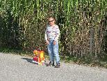 Antonia freut sich über ihren sicheren Schulweg.