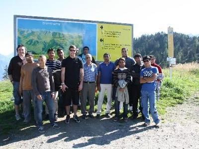 Asylwerber bekamen Einsicht in den Betrieb der Brandnertaler Bergbahnen.