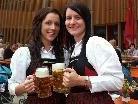 Bierkrugstemmen ist beim Oktoberfest in der Blumenegghalle angesagt.