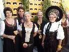 Diese Damenrunde freute sich auf den Frastanzer Bockbieranstich.