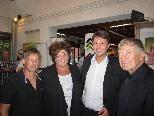 Johann T. Gröbitschitzer, Gerty Lang, Bürgermeister  Kurt Fischer und akad. Maler Prof. Gerhard Winkler