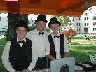 Waren an der Bonkassa fleißig: (v.l.) Brigitte Amann, Dir. Hannes Rothmund & Heidi Fröwis