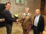 (l.) Kurator Arno Egger, Christa Gottwald mit Gatten Dieter in der Johanniterkirche