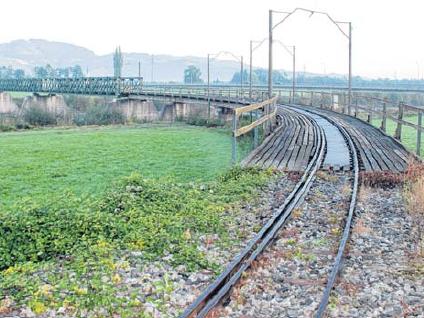 Der Rheinbahnbrücke in Mäder steht vor dem Aus.
