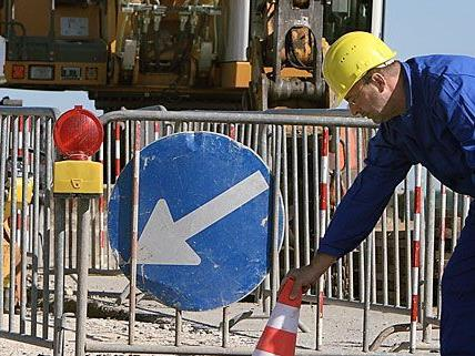 Die Bauarbeiten sollen für mehr Sicherheit im Kreuzungsbereich Taborstraße/Gredlerstraße sorgen