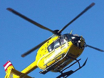 Das Opfer des Arbeitsunfalls wurde mit dem Christophorus-Hubschrauber abgeholt