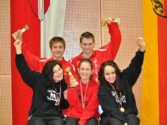 1. R. v.l. Paloma Nachbaur, Sonja Längle, Rebecca Rieder -  2. R,v.l. Patick Rieder und Jan Fleisch