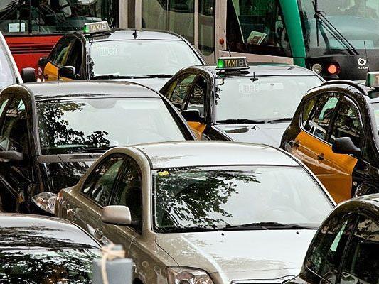 Die polizeilichen Schwerpunkt-Kontrollen sollen Staus an Kreuzungen verringern