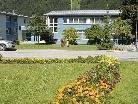 Wer im Ortsgebiet Vandans gewidmete Baugründe, ein Haus, eine Wohnung oder Tauschgründe anzubieten hat, wird gebeten, dies im örtlichen Gemeindeamt zu melden (Bild vom 1. September 2010).