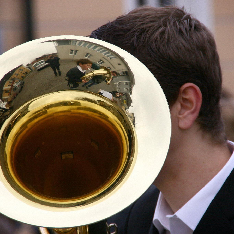 Die Kunst der Blasmusik abseits von Musikantenstadl und Co. kann kostenlos im Gasometer gehört werden.