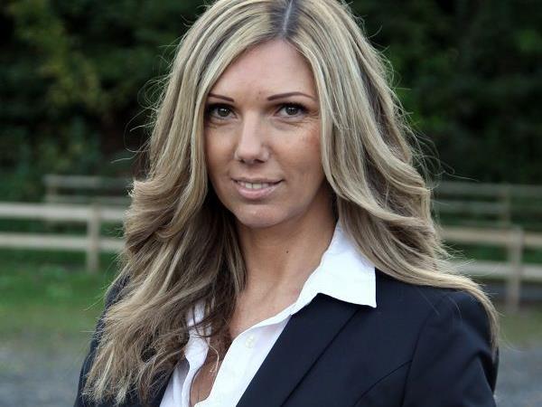 cool-down-Managerin Daniela Rüscher tippt die VL-Runde.