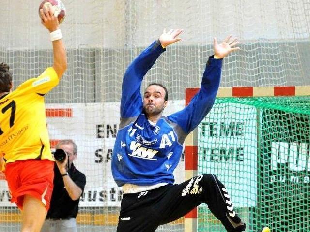Goalie Goran Aleksic ist einer der Schlüsselspieler bei Bregenz. Der 29-jährige Serbe, seit 2009 beim ÖHB-Rekordmeister, soll nicht nur wegen seiner 202 cm Größe, sondern auch wegen seinem exzellenten Stellungsspiel zu einer unüberwindbaren Hürde für Pölva werden.