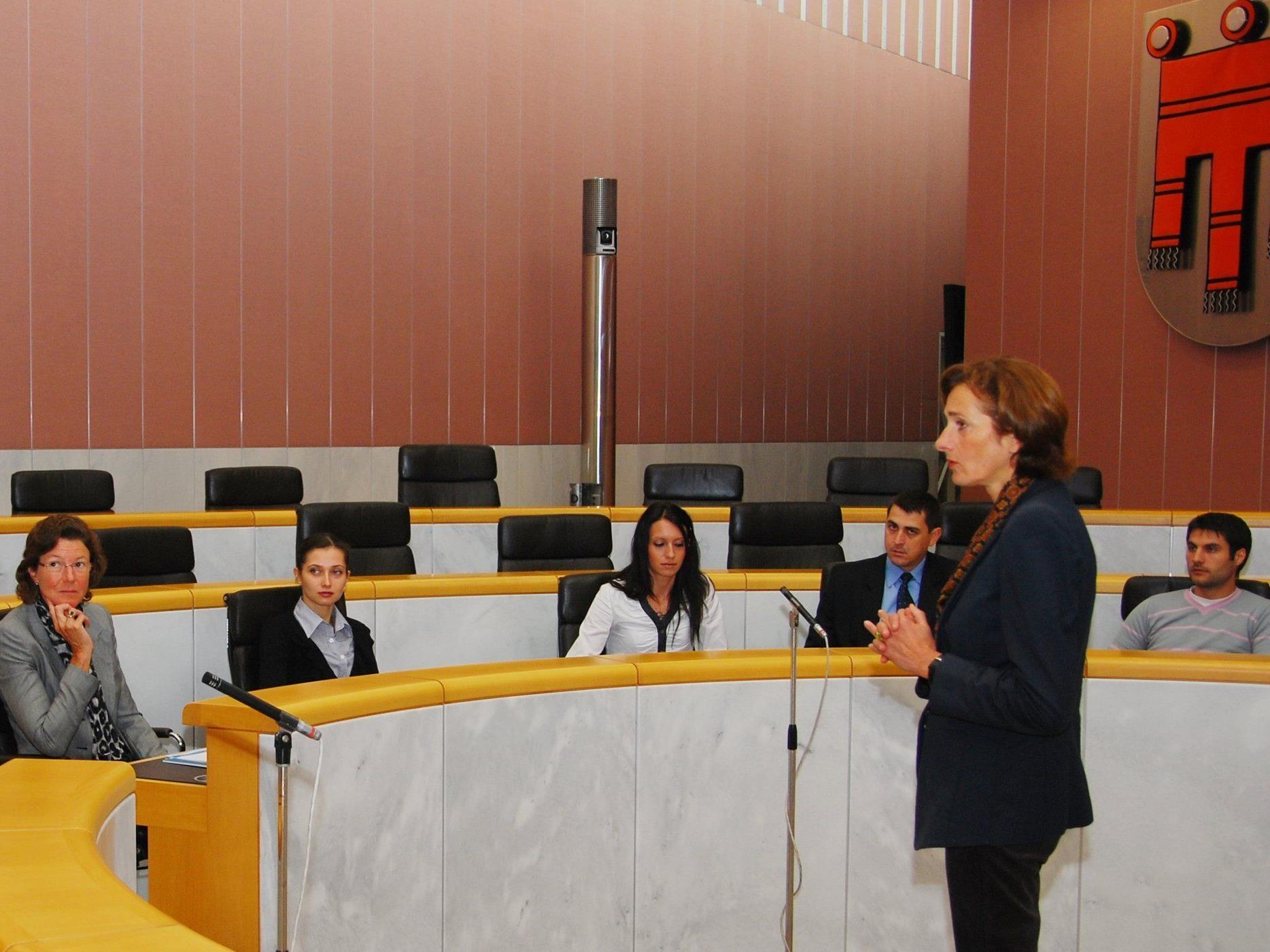 Im Landtag in Bregenz waren rumänische Jungdemokraten zu Gast.