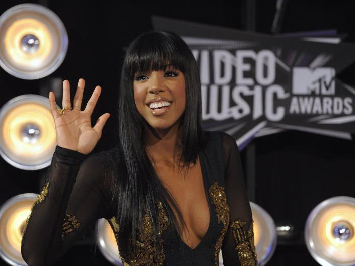 Kelly Rowland: Ein tiefer Ausschnitt hier, ein heißer Tanzmove da.