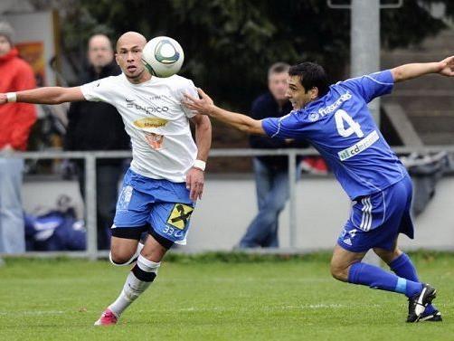 Lochau-Stürmer Murat Duru (l.) will mit seinem Team gewinnen.