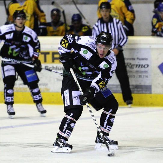 Heute gehen die Bulldogs (im Bild Tobias Holzer) gegen Dunaujvaros auf Torjagd.