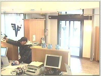 Der Überfall auf eine Bank scheiterte aufgrund der Deutschkentnisse des Bankräubers.