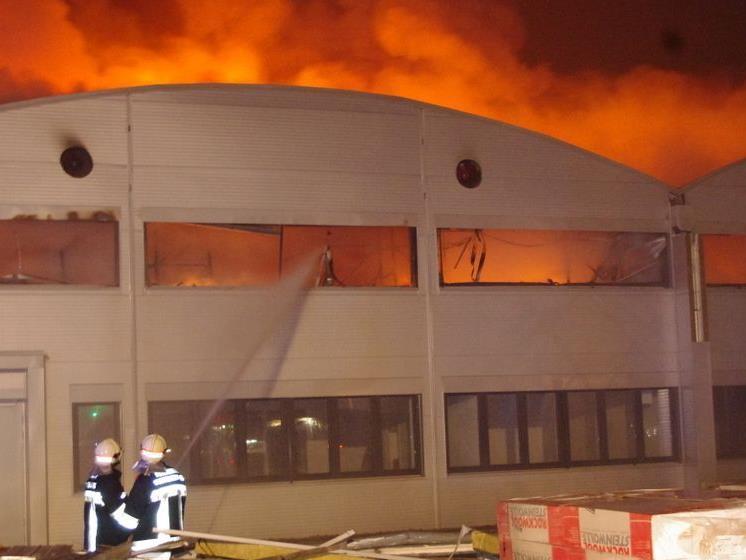 Auch die Feuerwehr aus Wien musste zu dem Brand in Klosterneuburg anrücken.