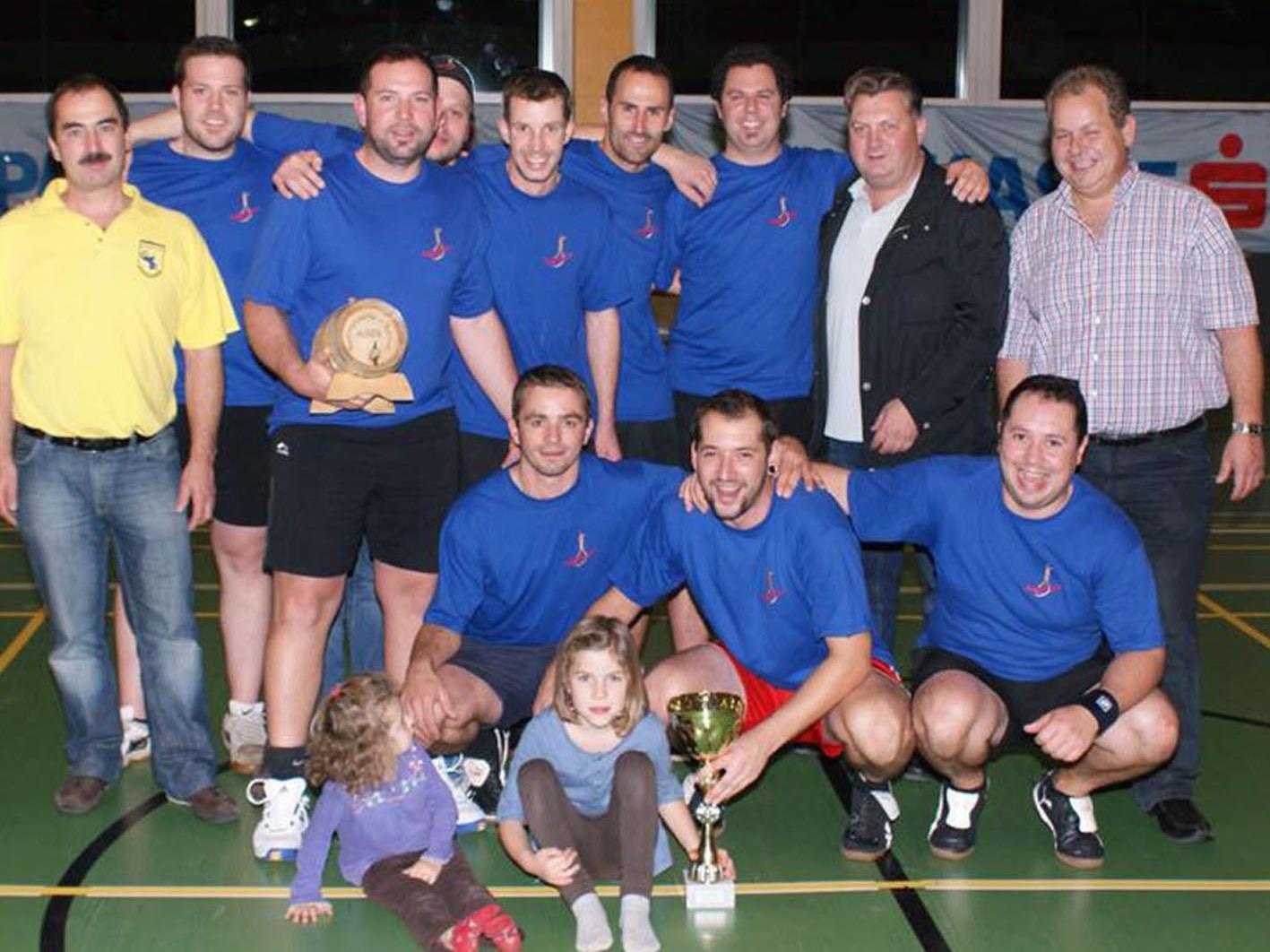Die Galgenbrüder feierten beim Auner 12. Fsnatzünfteturnier den 3. Turniersieg in Folge.
