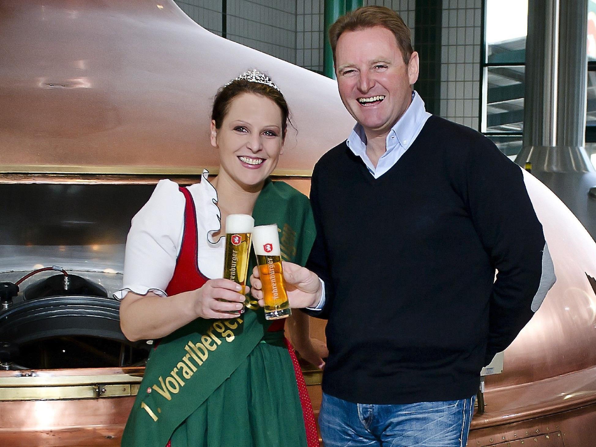 1. Vorarlberger Bierkönigin gratuliert Bierkönig Patrick ortlieb