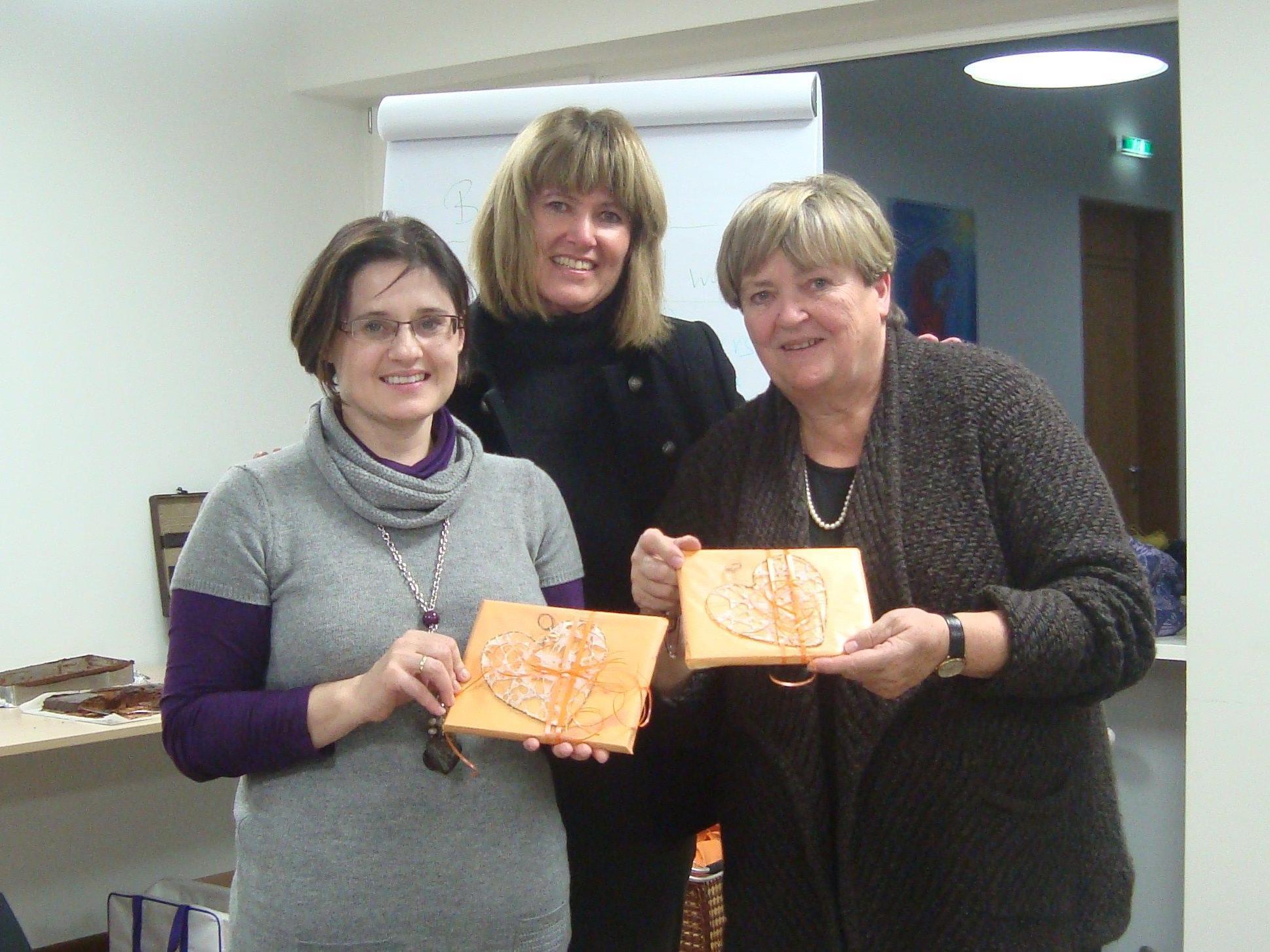 vlnr: Mag. Martina Kronthaler (Generalsekretärin ALÖ), Christina Stoss (Obfrau ALV), Dr. Gertraude Steindl (Präsidentin ALÖ)