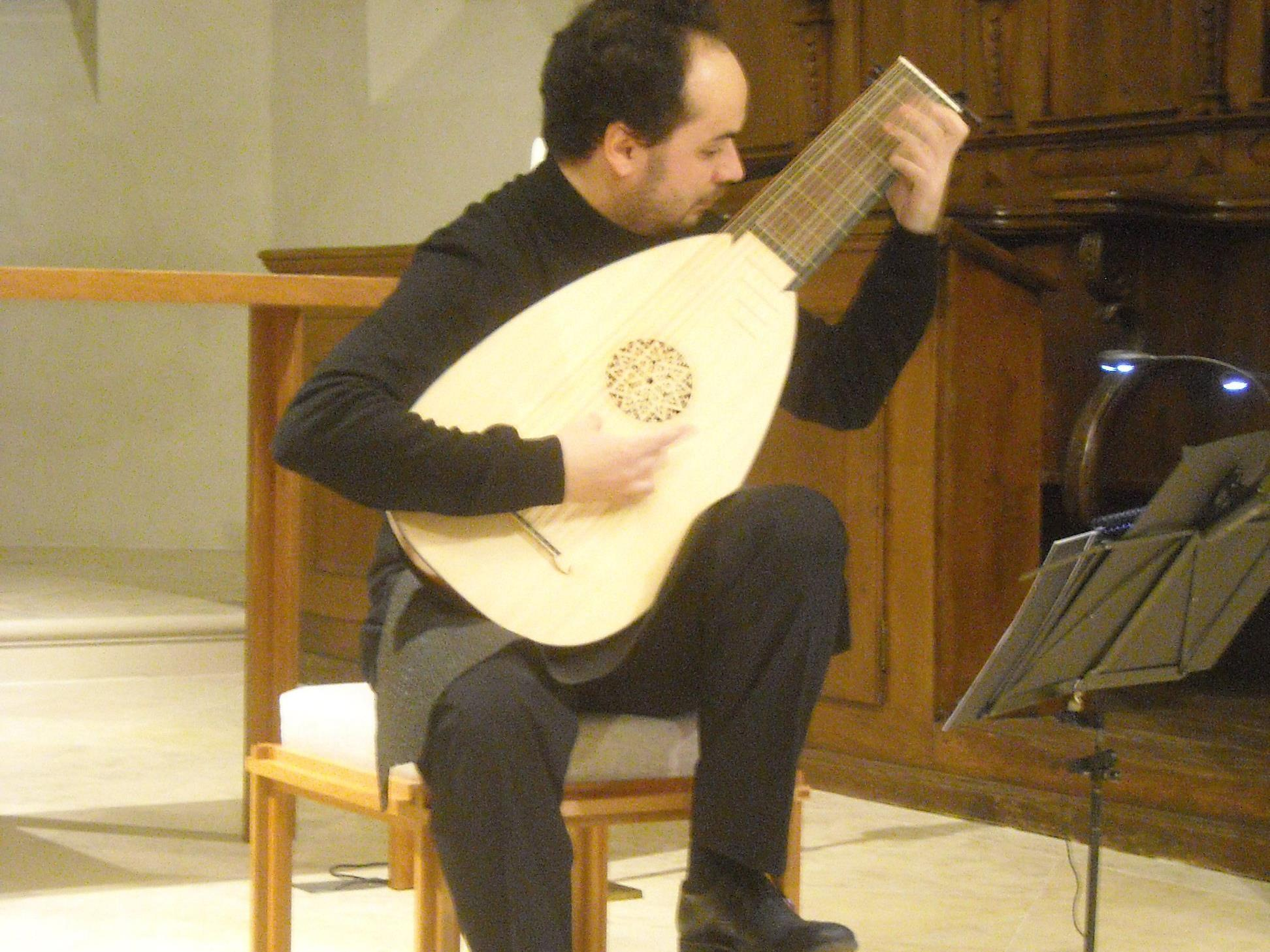 Miguel Yisrael in der Kirche St. Victor.