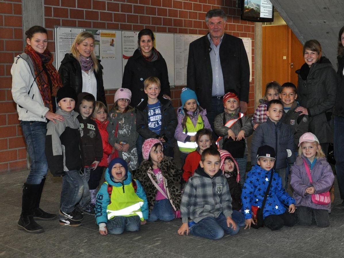 Ein Besuch im Rathaus stand auf dem Plan des Kindergartens Don Bosco