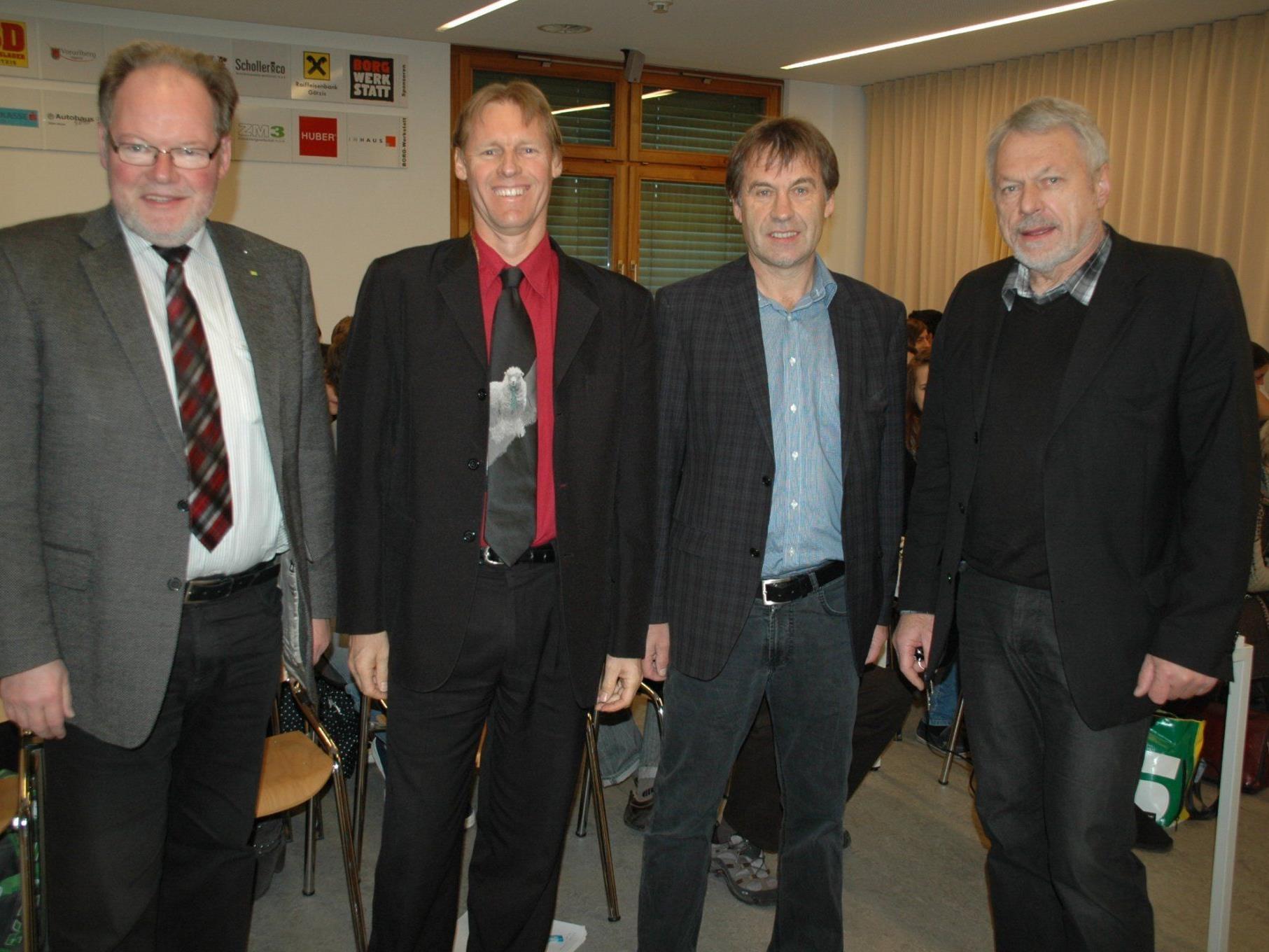 v.l. Bgm. Werner Huber, Alyn Ware, Dir. Thomas Rothmund & Jose Oberhauser