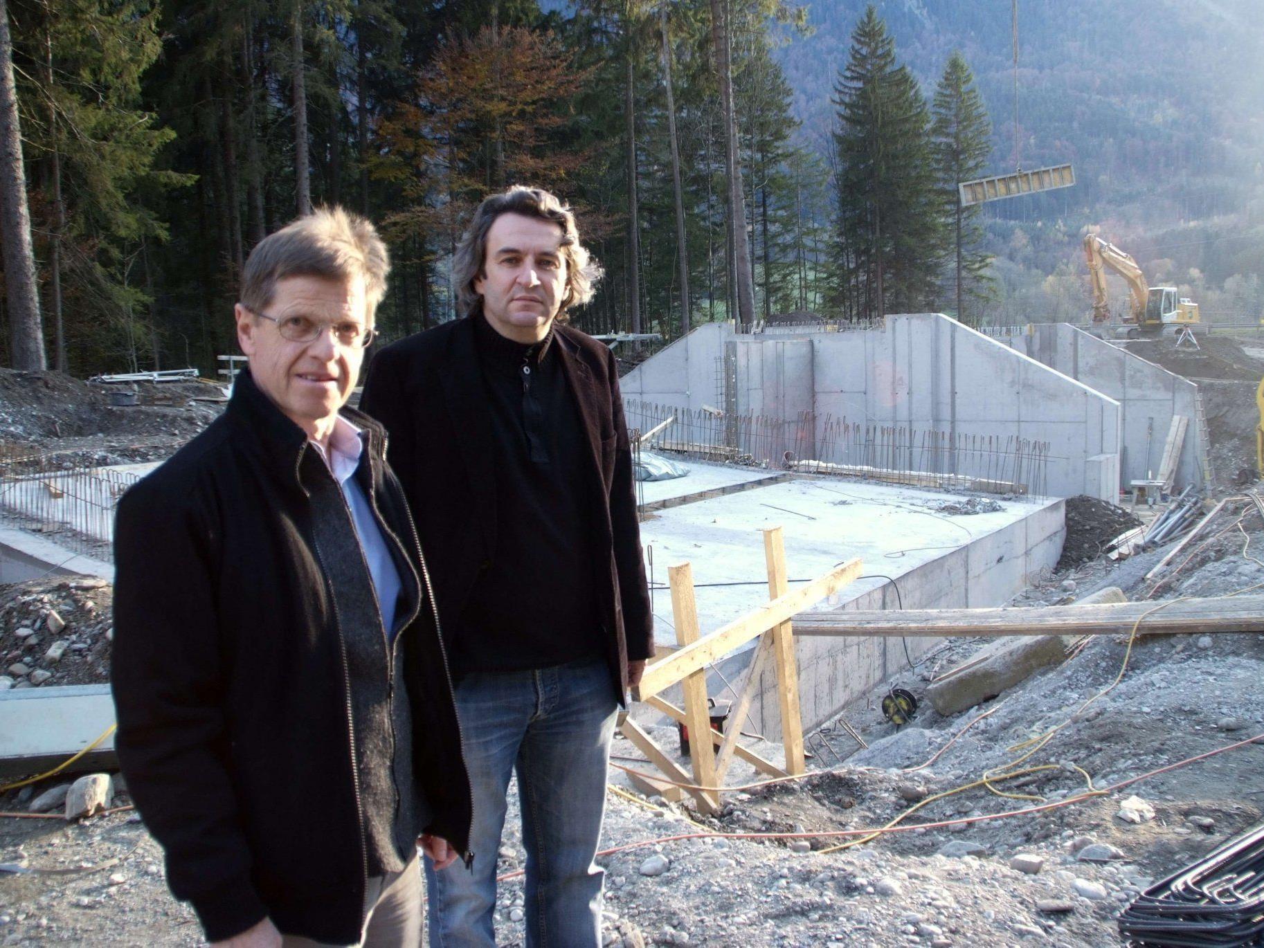 Die Ill-Verbandshochwasser- Sicherungsarbeiten auf Bludescher Gemeindegebiet sind voll im Gange.
