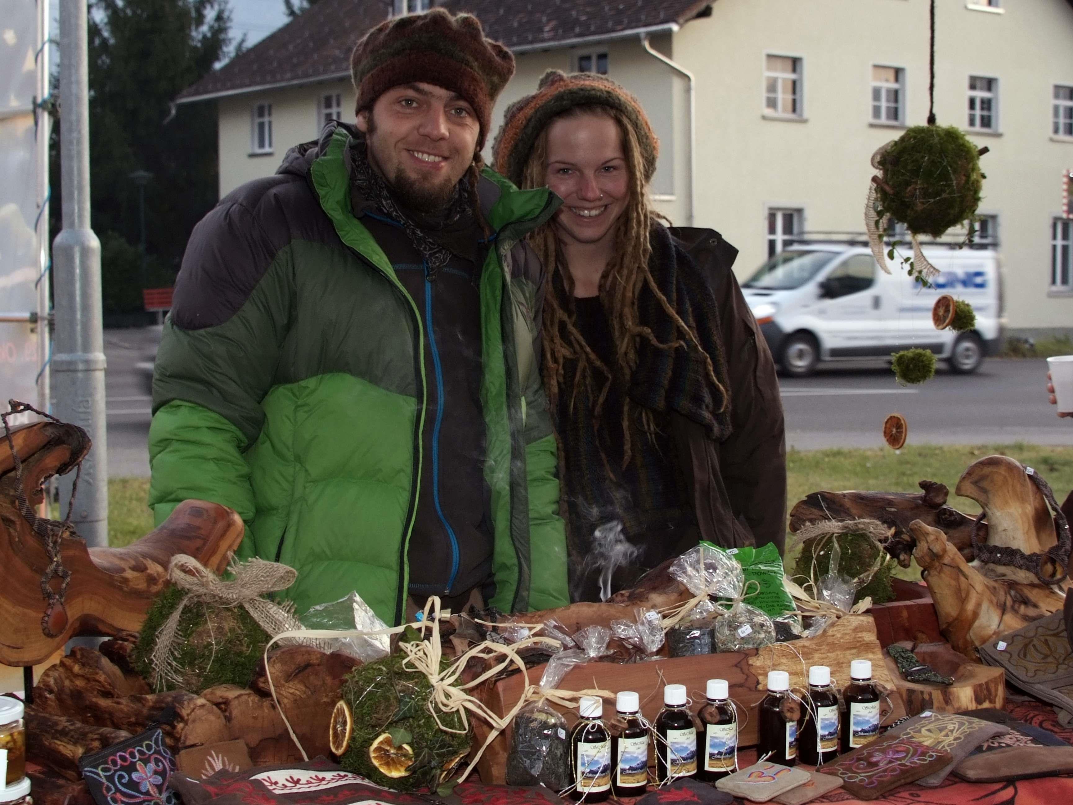 Beim Bludescher Adventmarkt bei der Krone war was los.
