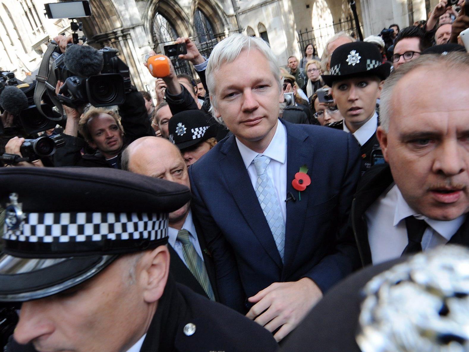 Nach dem Urteil zur Auslieferung von Wikileaks-Gründer Julian Assange an Schweden hat sein Umfeld den Druck auf die australische Regierung erhöht.