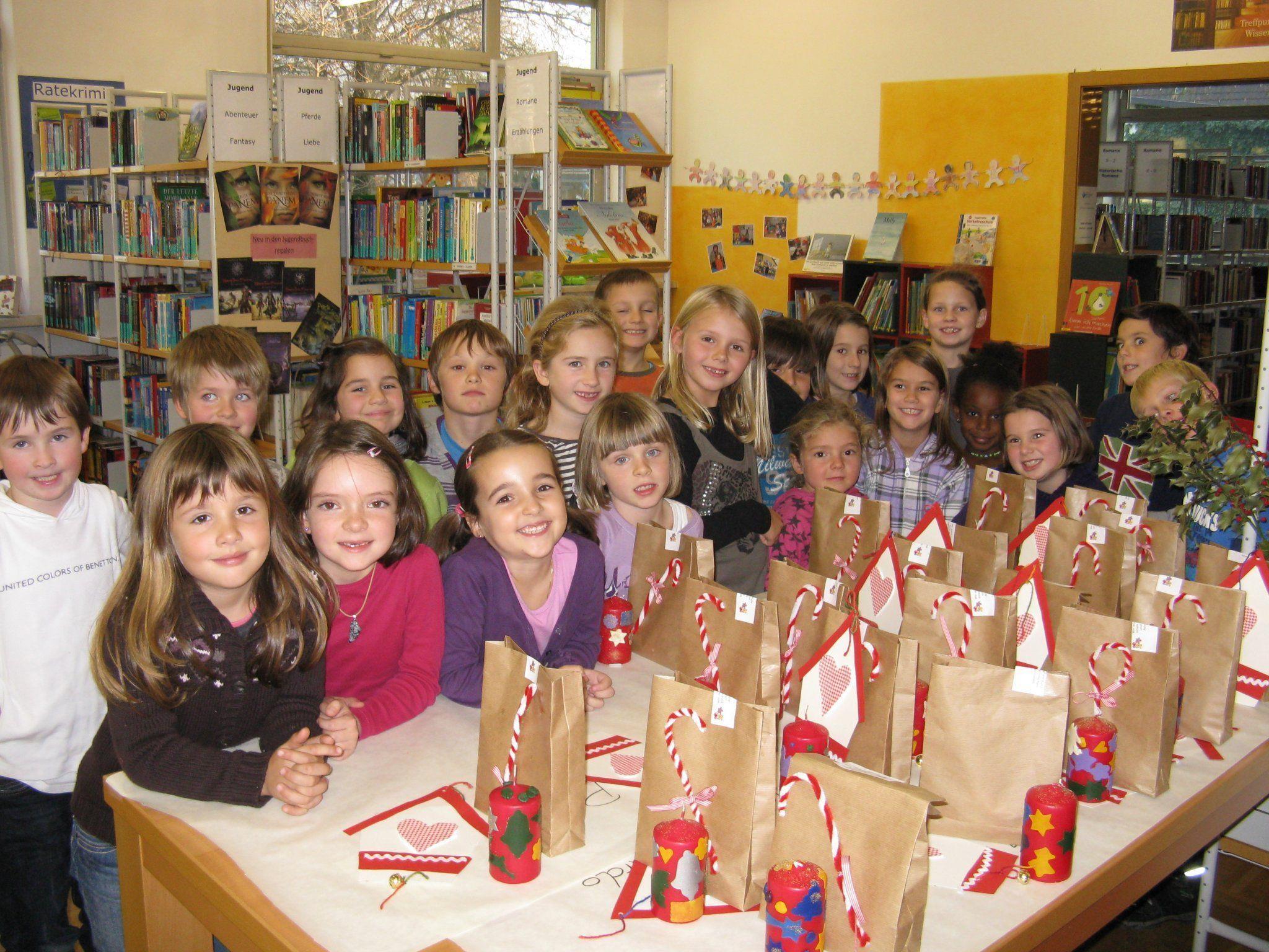 Die Kinder fertigten mit viel Freude tolle Adventdekorationen.