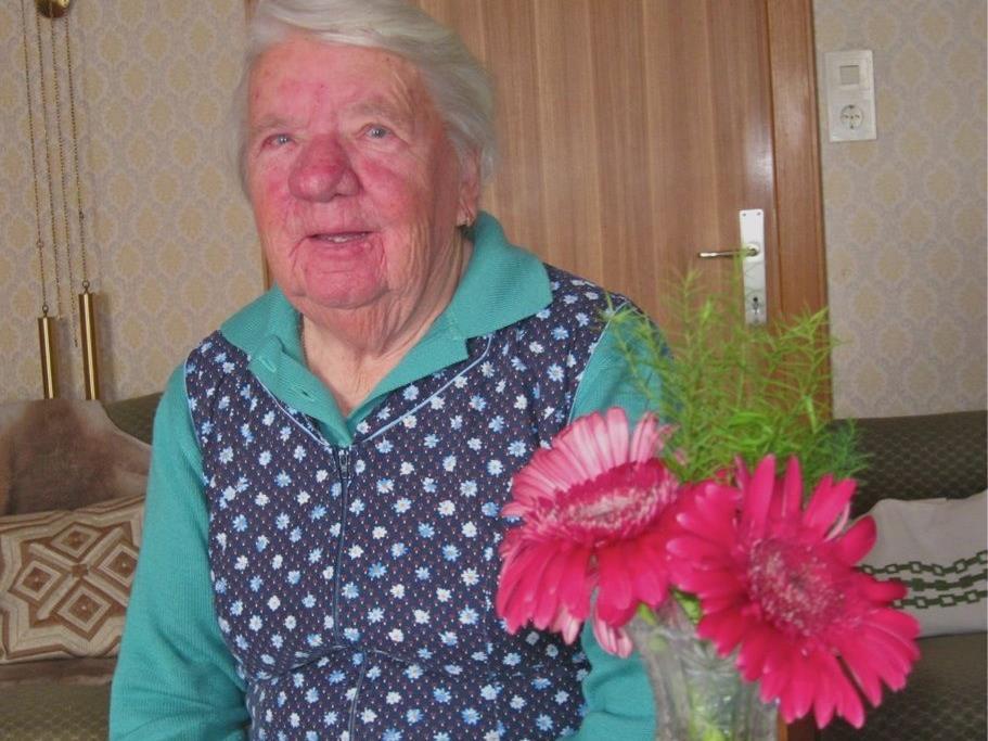 Resi Walser – keine Tag vergeht ohne Blumen für den Herrgott.