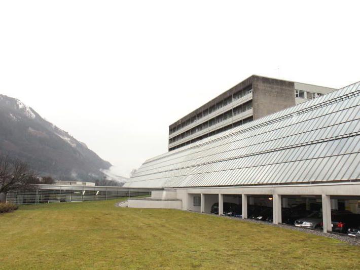 Nonne in der Kapelle des LKH Feldkirchs von Opferstockdieb attackiert