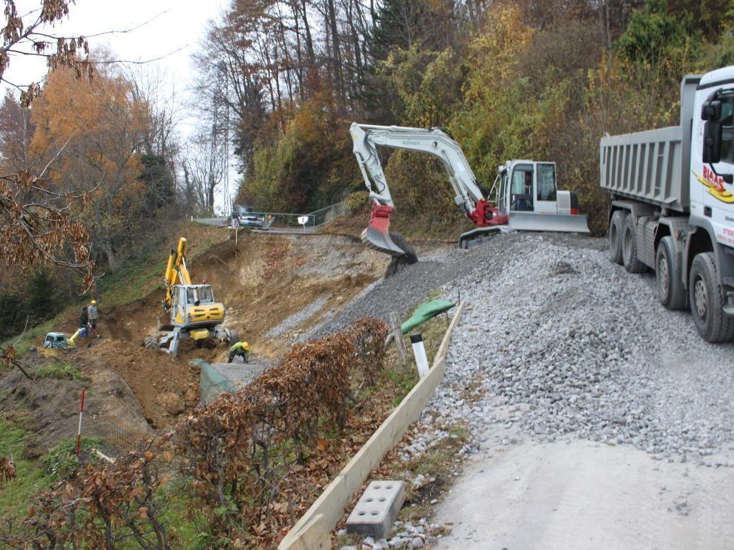 Das Straßenstück im Bereich Haggen/Abzweigung Hintermoos wird abgetragen und neu aufgebaut.