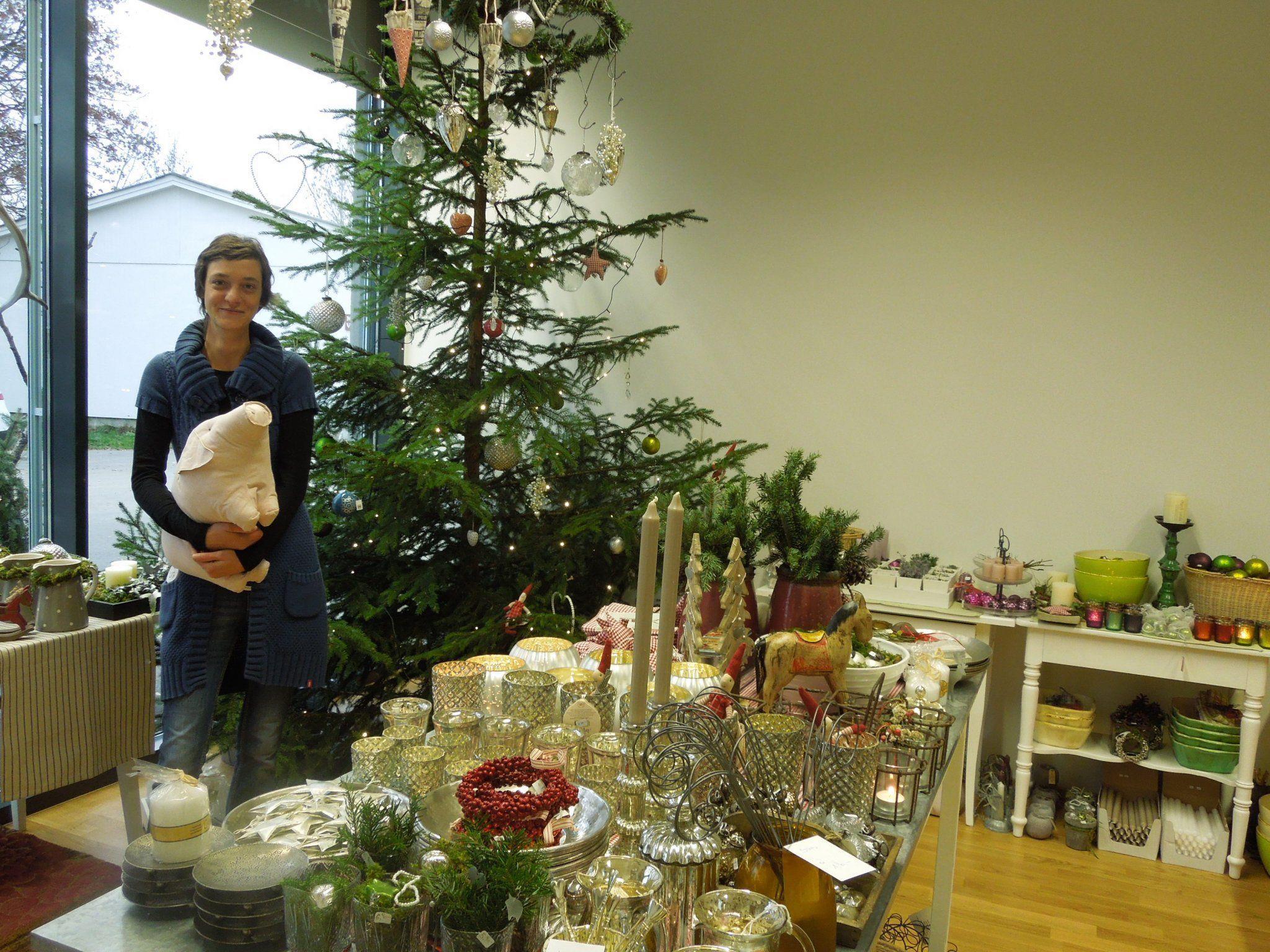 Letzte Woche wurde die Weihnachtsausstellung im Zeitlos schön von Elke Krainer eröffnet.
